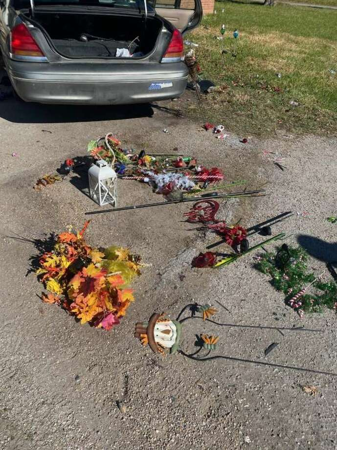 February court dates have been scheduled for two women accused ofstealing grave decorationsfrom a Deer Park cemetery, and one remains in jail after failing to post bond, court records show. Photo: John Morrison / Harris County Sheriff's Office