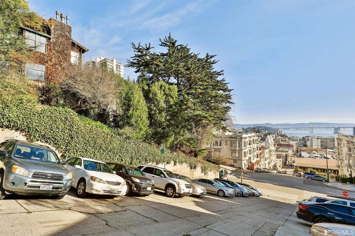 Is this Russian Hill home, circa 1908, the restoration deal of the century? You'll need $5M to find out.