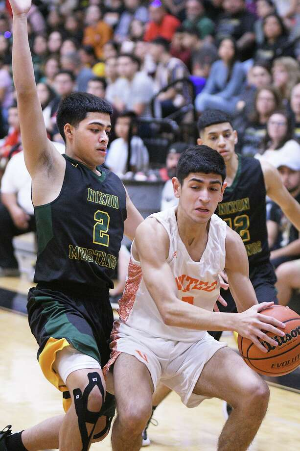 Nixon beat United 74-72 in overtime when the two last faced in the Border Olympics championship. Photo: Cuate Santos /Laredo Morning Times / Laredo Morning Times