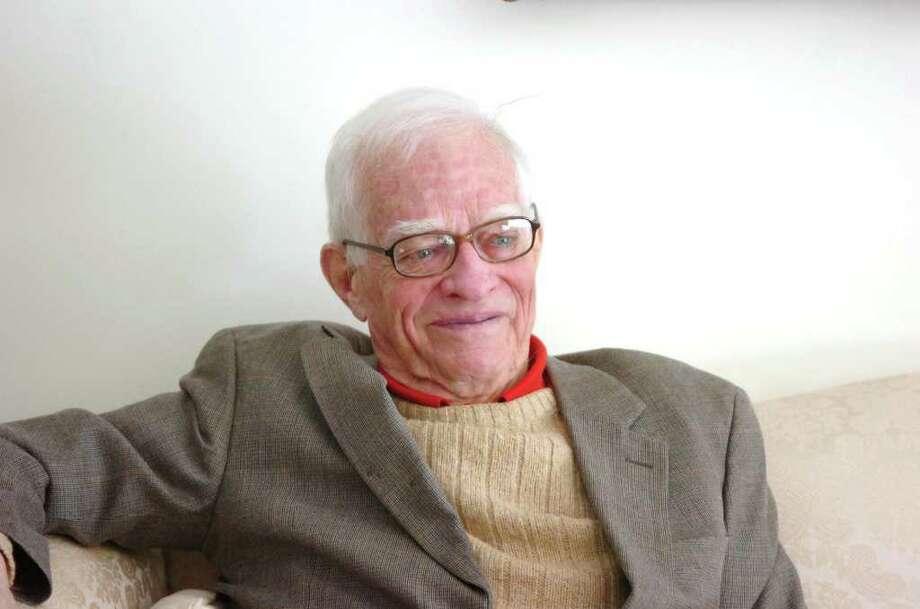 Former Eisenhower speechwriter William Ewald in his Dewart Road home in Greenwich in 2009. Photo: File Photo / Greenwich Time File Photo