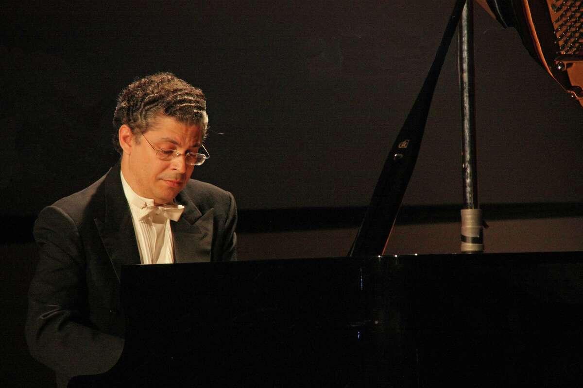 Pianist Leonel Morales