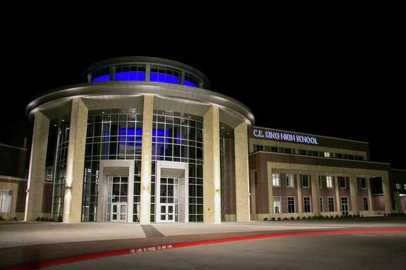 C.E. King High School held a ribbon cutting ceremony on Jan. 6 at 6:30 p.m. to offer the community an opportunity to view the 580,000 square-foot building made possible by the $285 million 2016 bond.