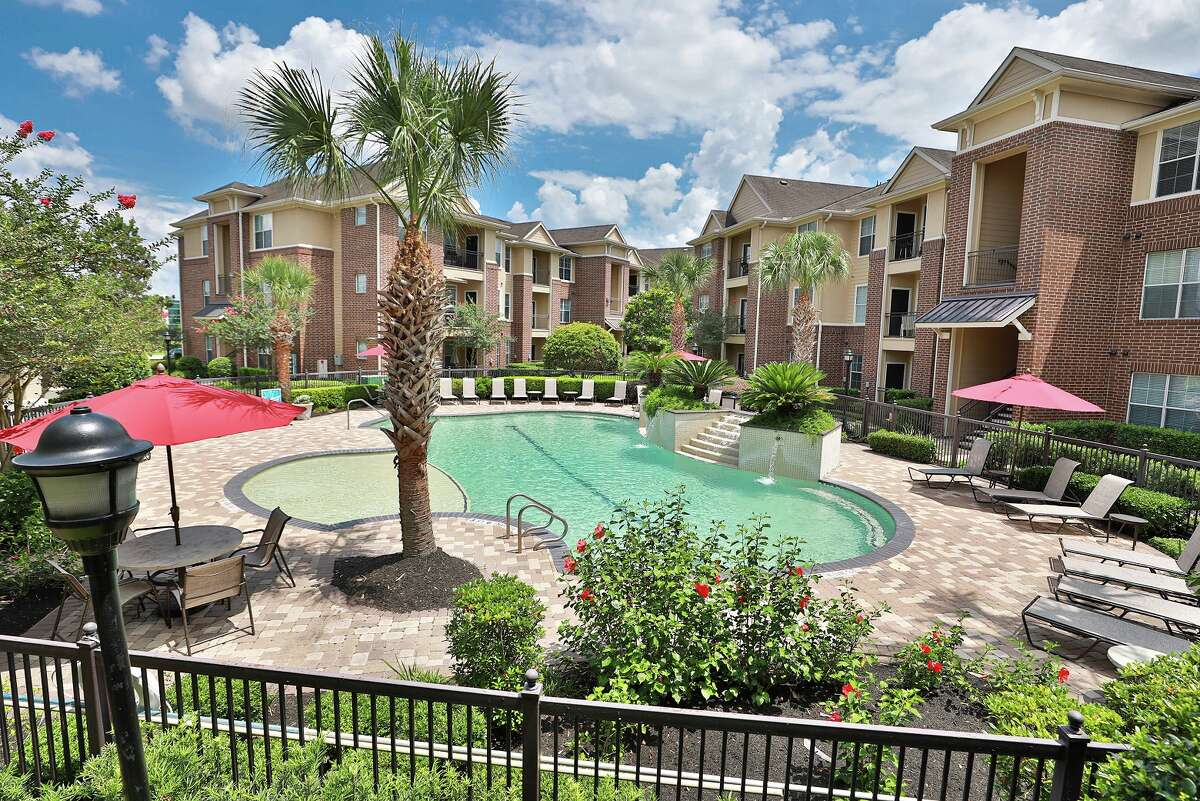 Waterton purchased Madison on the Meadow, a 264-unit apartment property at 12660 Stafford Road, Stafford.