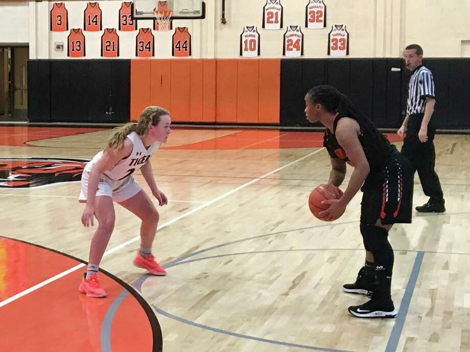 Girls basketball action between Stamford and Ridgefield on Tuesday, Jan. 7, 2020 in Ridgefield, Conn. Photo: Scott Ericson / Hearst Connecticut Media / Connecticut Post