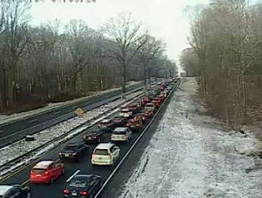There are heavy southbound delays on the Merritt Parkway on Wednesday, Jan. 8, 2020. Photo: Shay, Jim