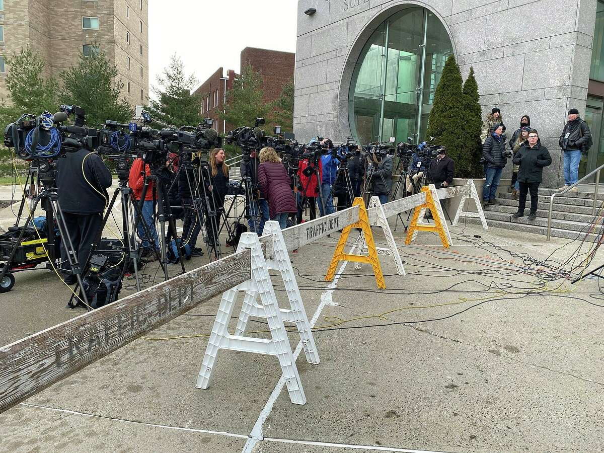 By 9 a.m.. there were 13 cameras aimed at a podium in front of the courthouse as media descends at the Stamford Superior Courthouse for the arraignments in the Jennifer Dulos murder case.