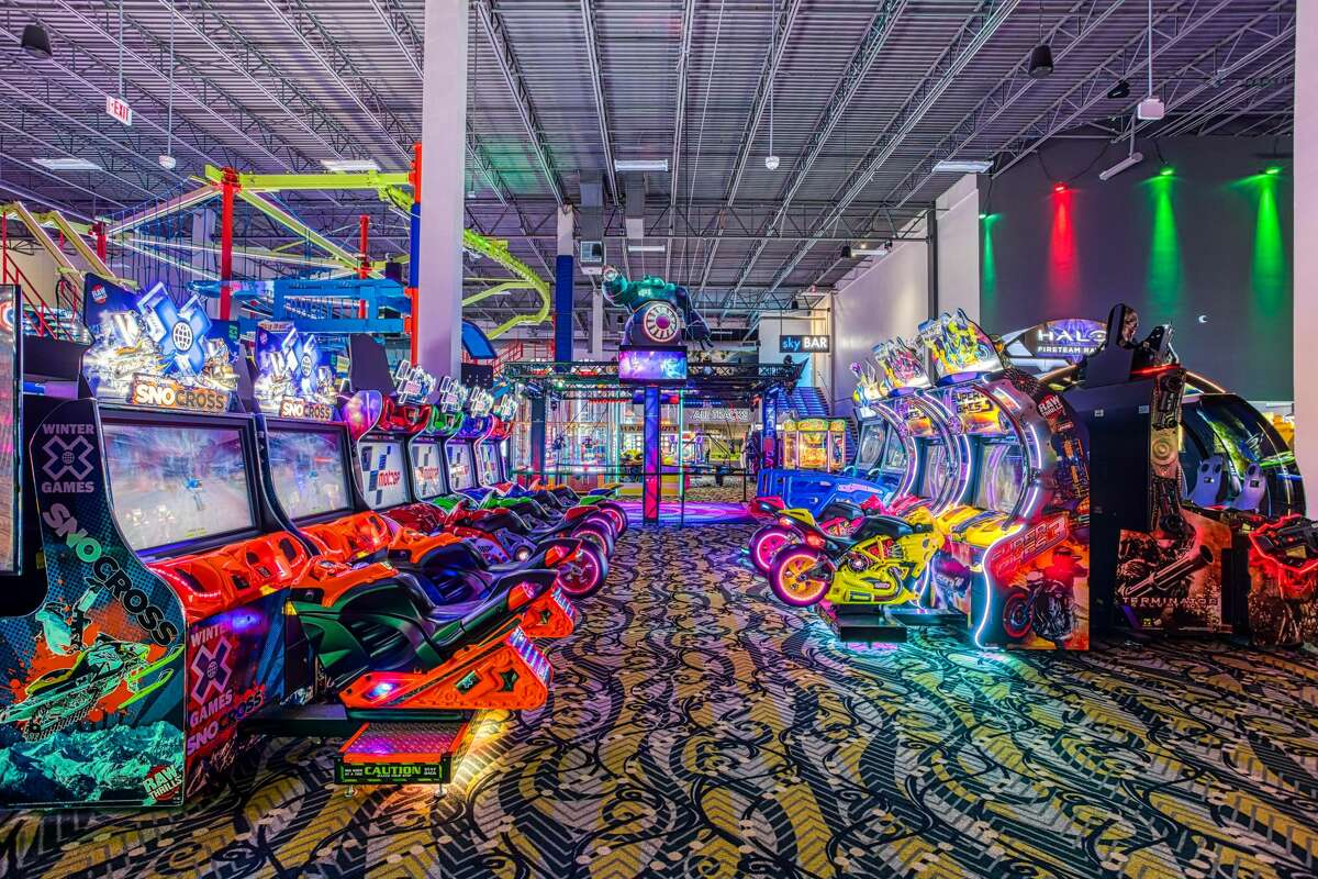 Attractions include a two-story laser tag battlefield, more than 80 state-of-the-art arcade games, an indoor high adventure ropes course, virtual reality games and high-tech mini-golf.