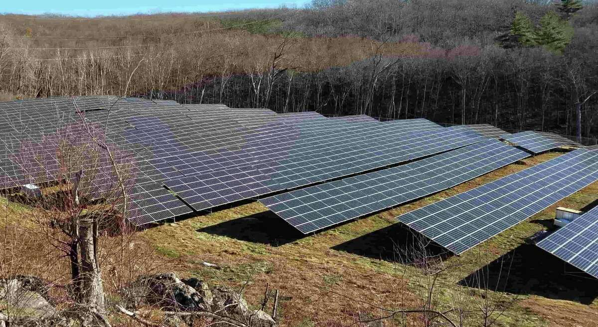A distributed solar array operated by Nautilus Solar, which in 2019 partnered with Stamford, Conn.-based ReneSolar to acquire community solar farms in multiple U.S. locations. (Screenshot via Nautilus Solar)