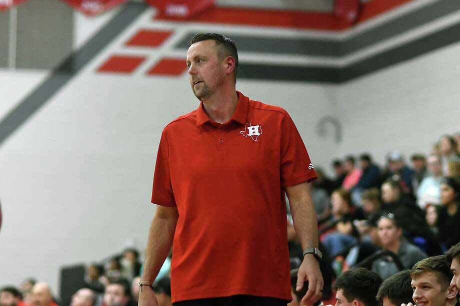 Huffman Hargrave Head Boys Basketball Coach Scott Barrett leads his team against Huntington in the fourth quarter of their district matchup at Hargrave High School on Jan. 7, 2020. Photo: Jerry Baker, Houston Chronicle / Contributor / Houston Chronicle