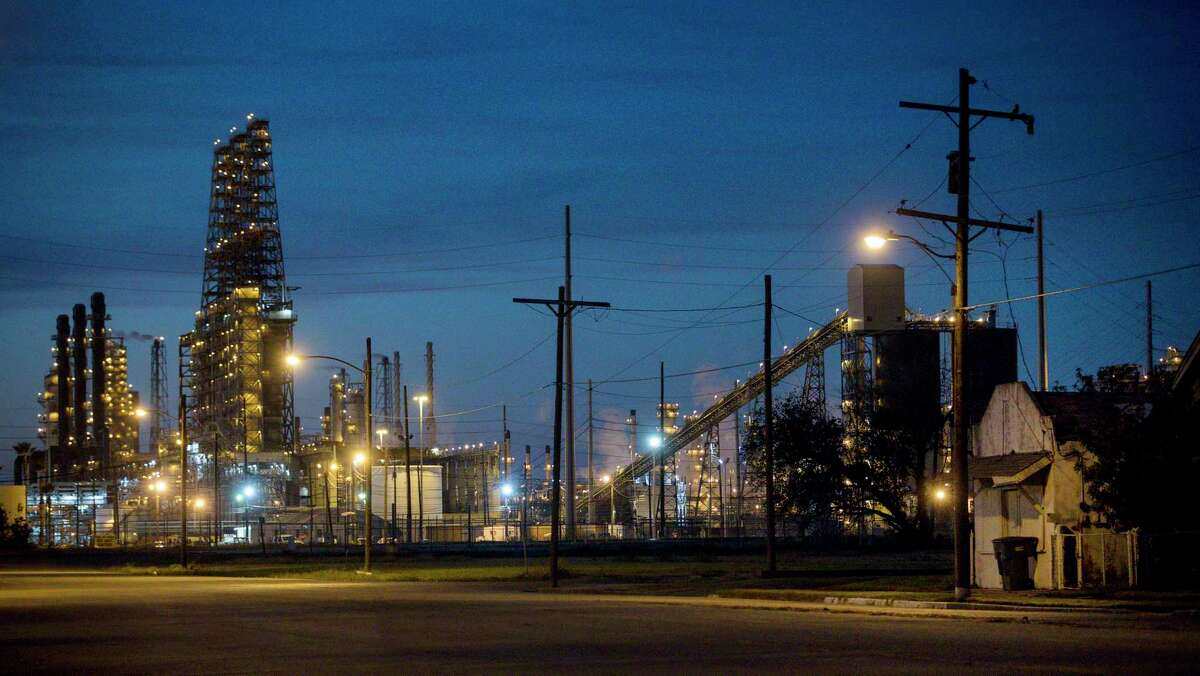 The Port Arthur Refinery, operated by Motiva Enterprises, abuts neighborhoods where residents complain of chemical odors and falling home values. Photographed Tuesday, Nov. 20, 2018, in Port Arthur. A project from the company has the potential to emit the most greenhouse gases in the state, a report by the Environmental Integrity Project found.