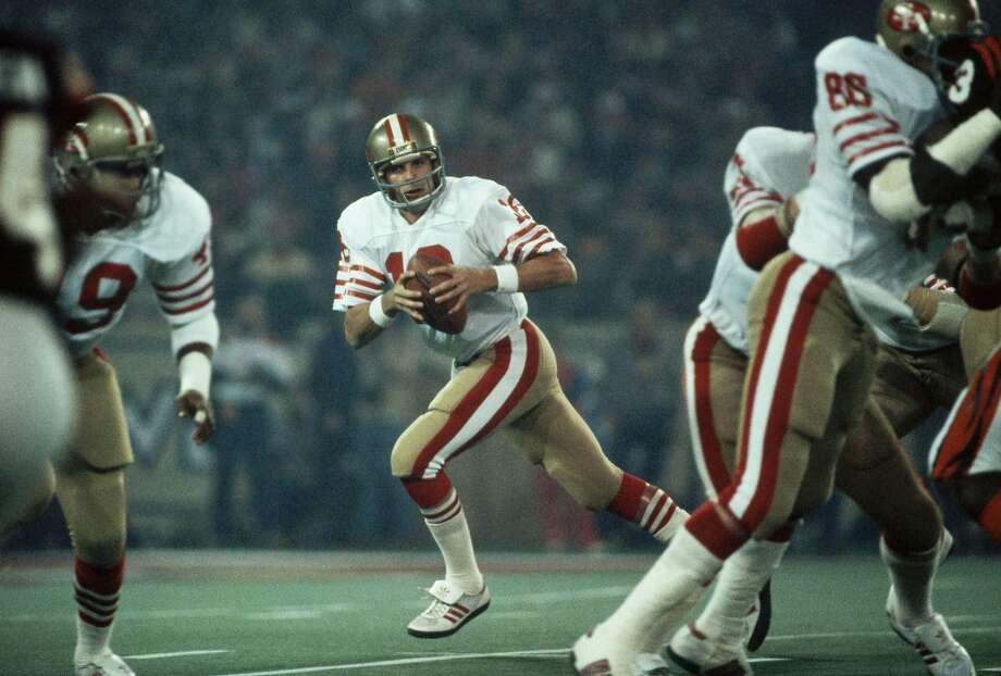 Joe Montana prepares to throw the football. Photo: Wally McNamee / Corbis Via Getty Images