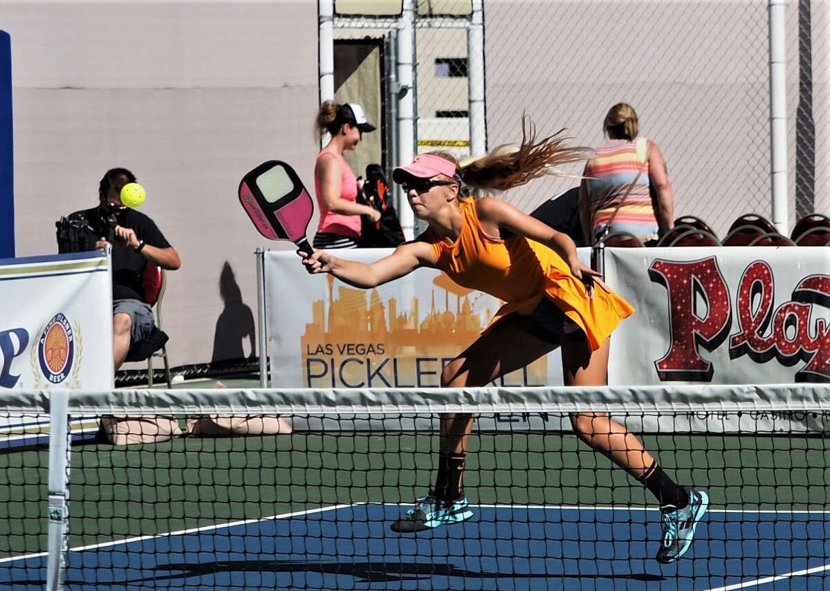 Anna Leigh Waters, is one of the young rising stars of pickleball. She picked up the game as a 10-year-old in 2017 and now plays in tournaments with her mom.