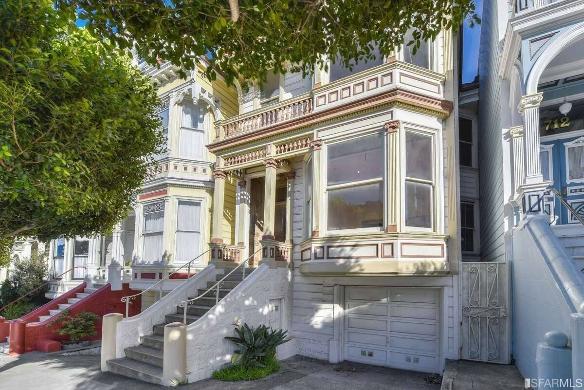 714 Steiner Street, one of the middle ladies, came on the market this week for $2.75 million.