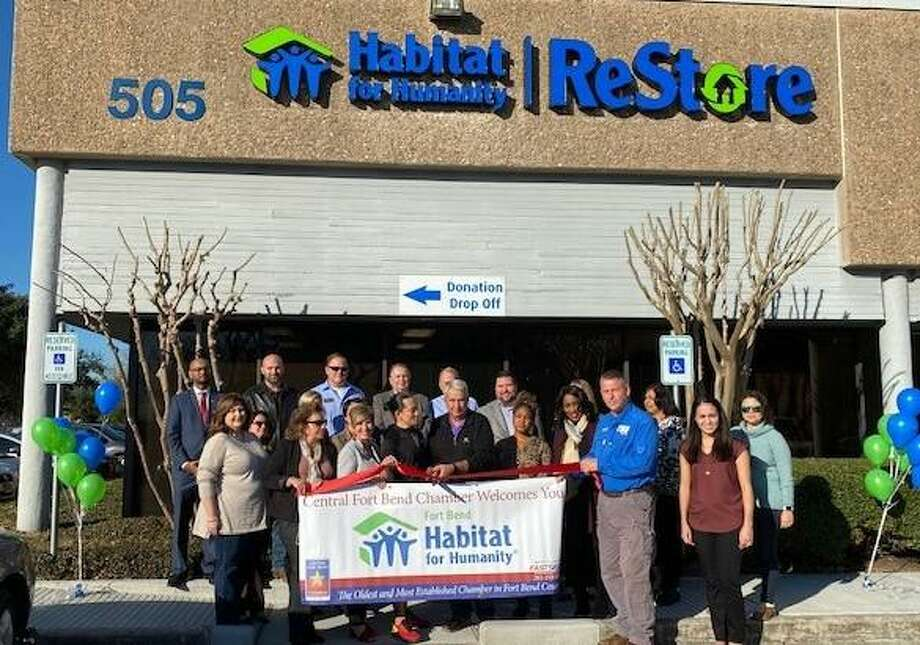 The Habitat for Humanity and Restore celebrated a Jan. 8 grand opening at its new location at 505 Julie Rivers, Suite 150 in Sugar Land with the Central Fort Bend Chamber and the community. Photo: Central Fort Bend Chamber / Central Fort Bend Chamber