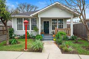 Houston (East End Revitalized): 412 Linwood List price: $295,000 / Sq. Ft.: 1,254 Open house: Saturday, Jan. 11; 12 to 2 p.m.