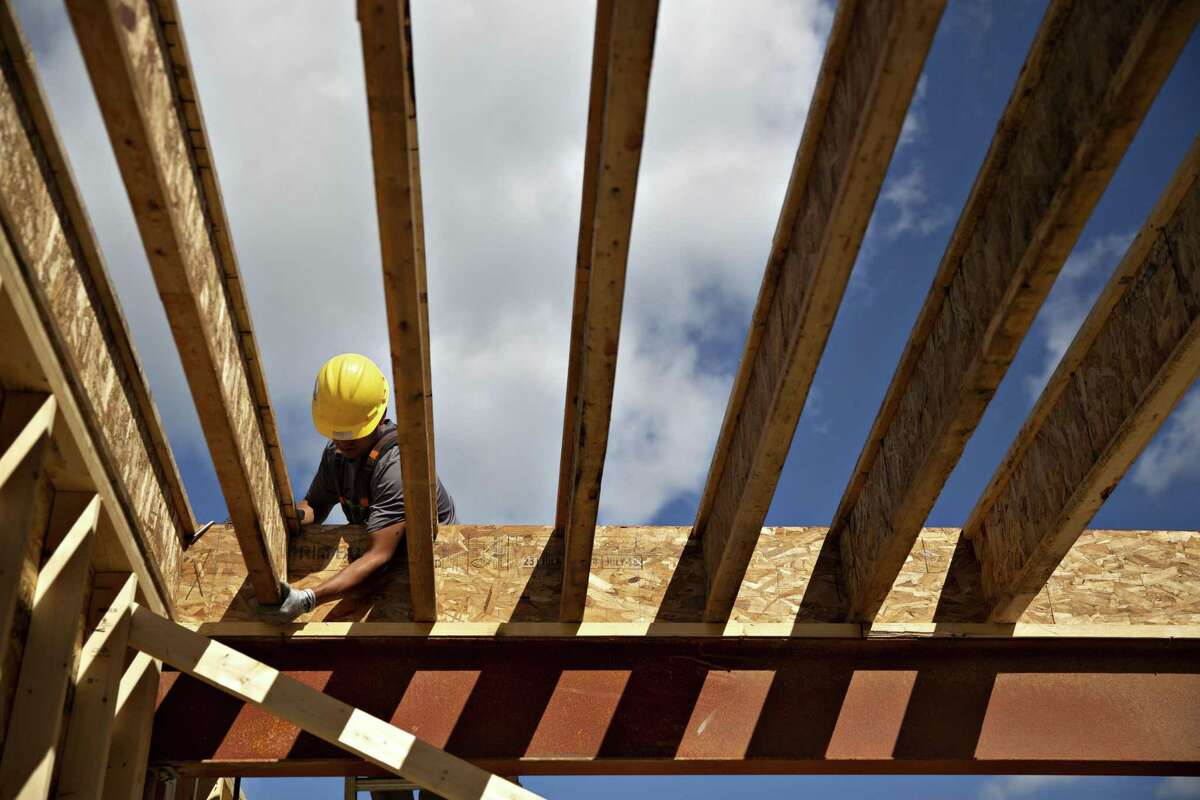 The pace of home construction in the San Antonio metro area has been rising, bolstered by job growth, low interest rates, a swelling population and a bigger supply of lots ready for development.
