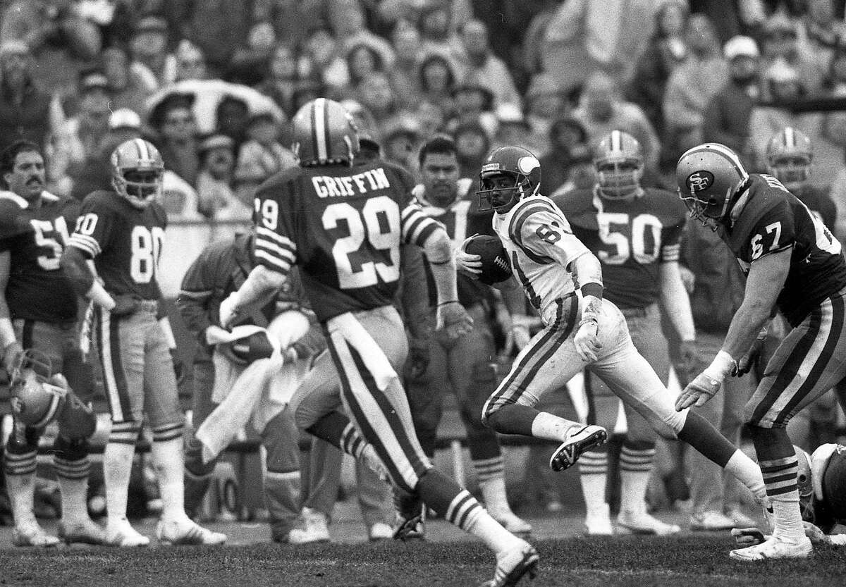 The San Francisco 49ers are upset by the MinnesotaVikings in the playoffs, January 9, 1988 Vikings Wide receiver Anthony Carter (81)
