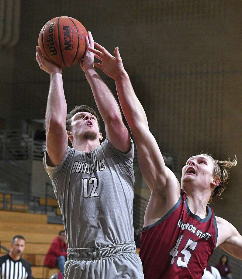 Tom Higgins had a double-double with 17 points and a season-high 17 rebounds Thursday in TAMIU's 78-65 loss to Texas A&M-Commerce. Photo: Cuate Santos /Laredo Morning Times File / Laredo Morning Times