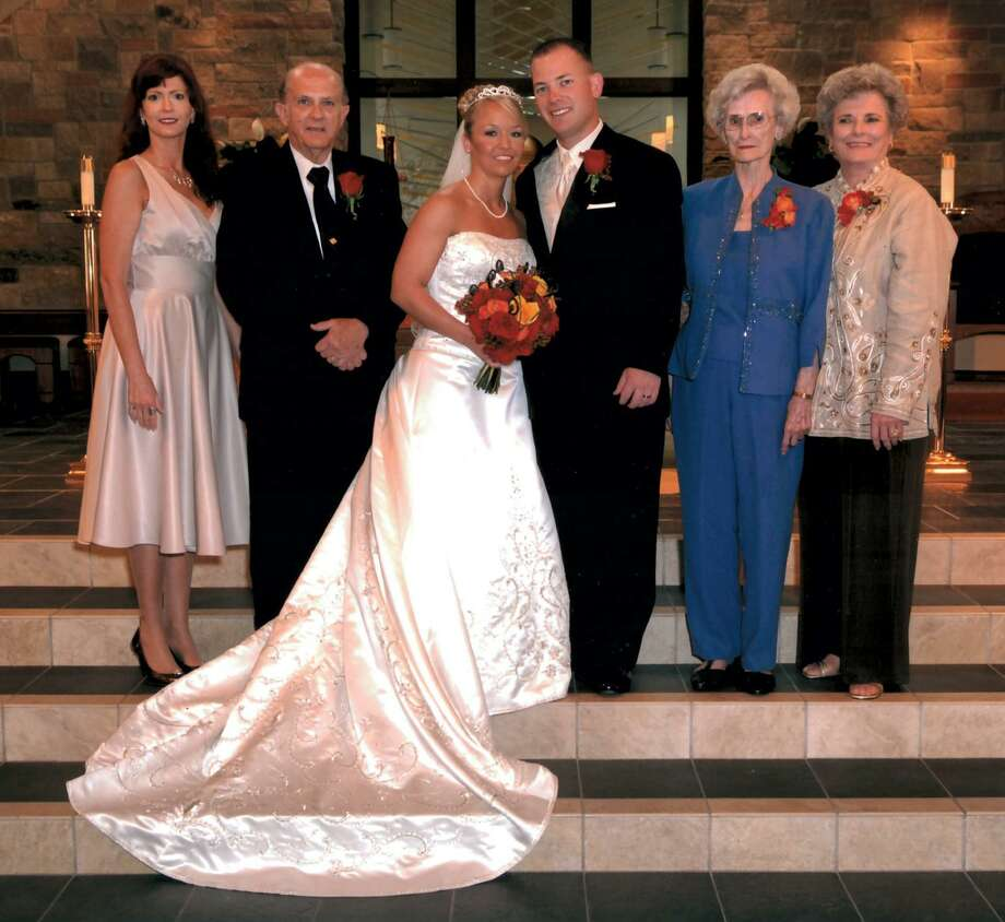 From left, Rachel Harris, daughter of Si and Bobbie Harris, Si Harris, Jessica Harris, wife of Beau Harris, Beau Harris, Si and Bobbie's grandson, Katie Hill, Bobbie's mother, and Bobbie Harris at Jessica and Beau's wedding. Photo: Harris Family Photo