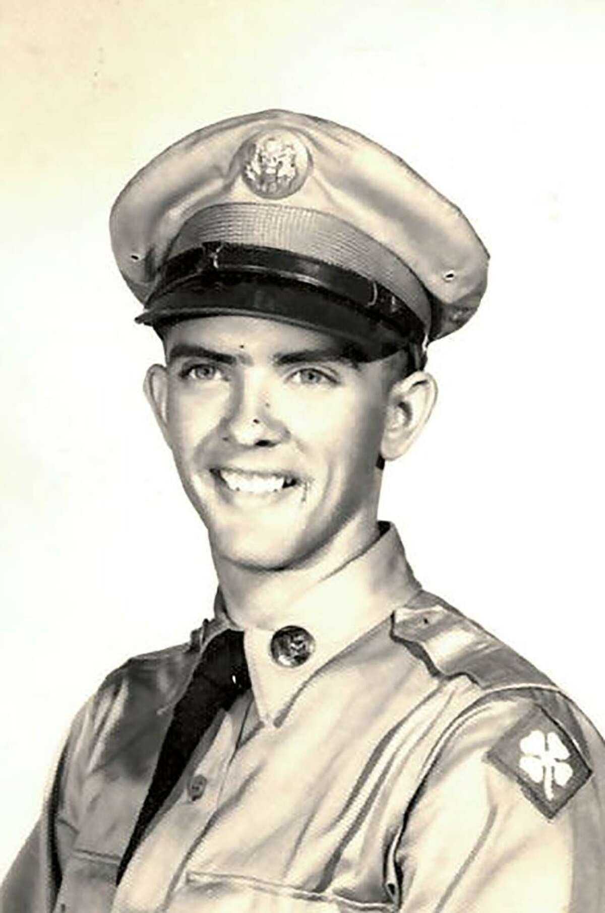 Si Harris was in the US Army from September 1954 to July 1956. He served in the 246th F.A. Missle BN (Corporal) division.