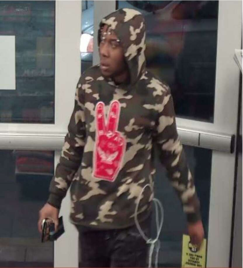 The Detective Bureau is asking for the public's assistance with identifying two individuals who were using stolen credit cards in Norwalk and Bridgeport Photo: Norwalk Police Photo
