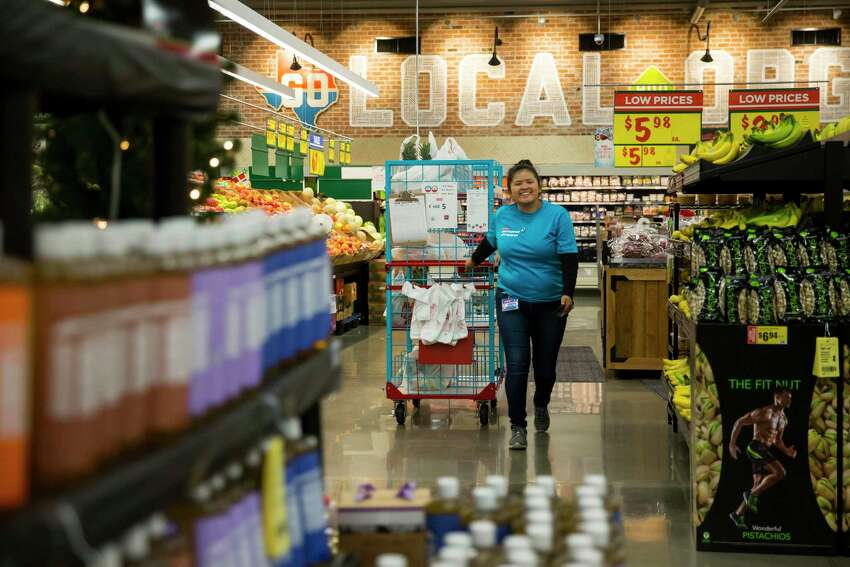 H-E-B was rated the top U.S. grocery retailer in a recent survey, knocking Trader Joe's out of the spot.