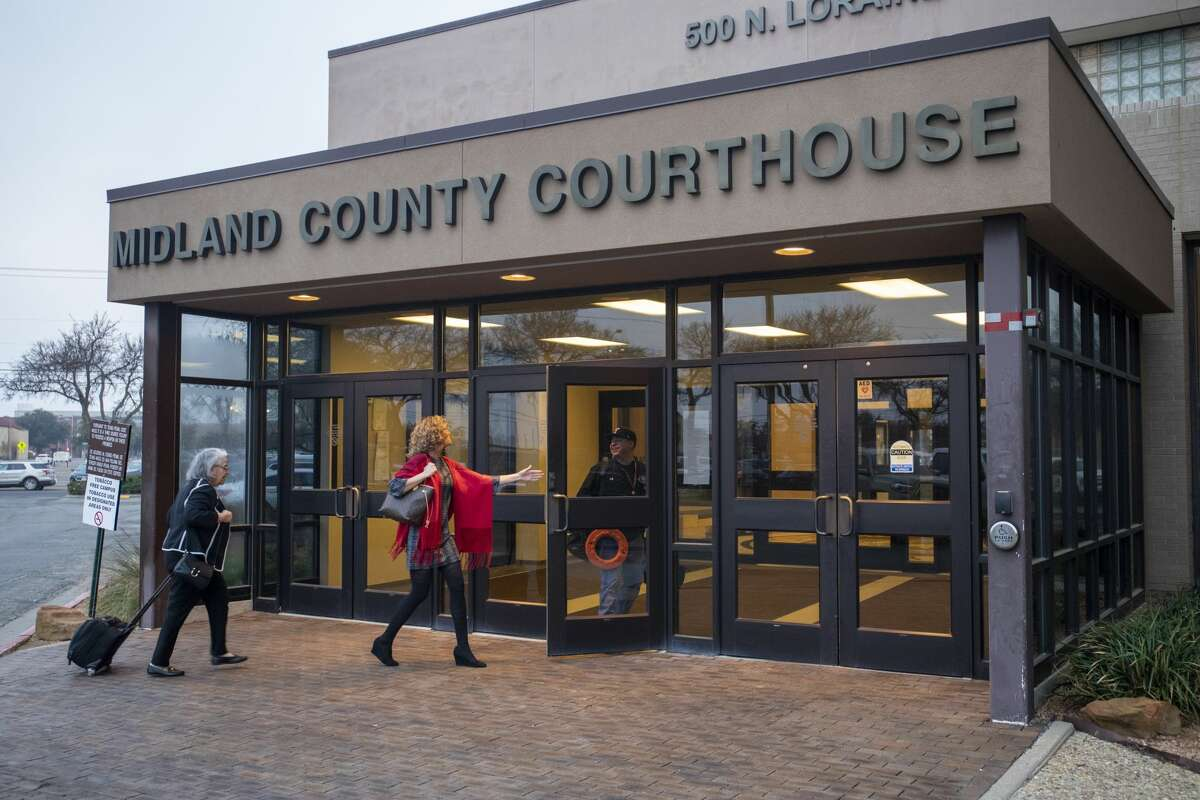 Christine Foreman walks into the Midland County Courthouse for the election contest Friday, Jan. 10, 2020 at 500 North Loraine Street. Jacy Lewis/Reporter-Telegram
