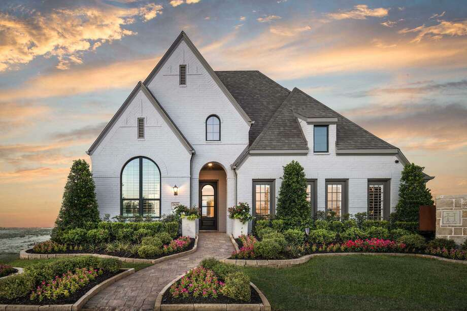 Highland Homes builds on 55-, 65- and 80-foot lots, starting from the $300,000s, $370,000s and $550,000s.