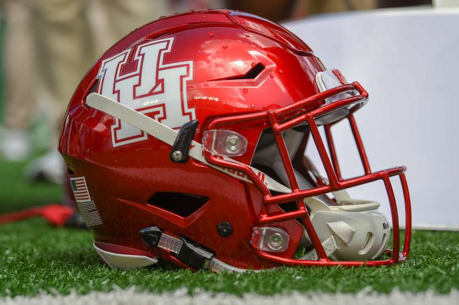 HOUSTON, TX - SEPTEMBER 08: A Houston helmet stands ready for the next series during the college football game between the Arizona Wildcats and the Houston Cougars on September 8, 2018 at TDECU Stadium in Houston, Texas. (Photo by Ken Murray/Icon Sportswire via Getty Images) Photo: Icon Sportswire/Icon Sportswire Via Getty Images