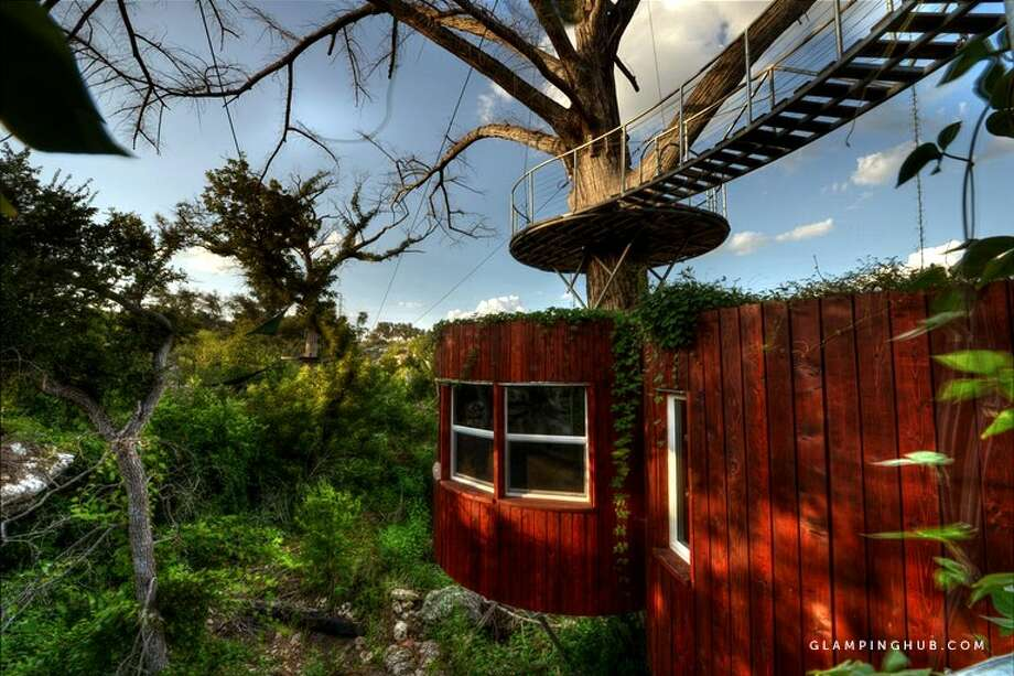 Rental:Astonishing Family-Friendly Tree House near Austin, Texas Price:$576/per night Details:Sleeps 4 adults comfortably For more information: Click here for listing Photo: Glampinghub.com