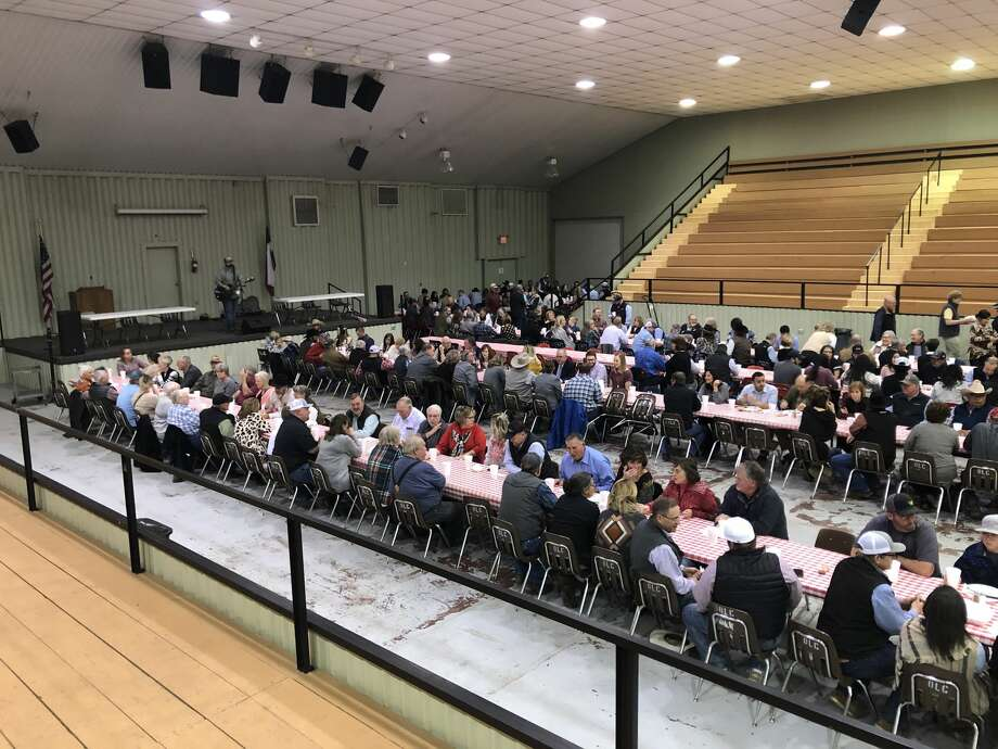 Stock Show supporters gather for a fundraiser Steak Dinner at the Ollie Liner Center on Thursday evening. Photo: Courtesy Photo/Audrey Gloyna/Hale County AgriLife Extension Office