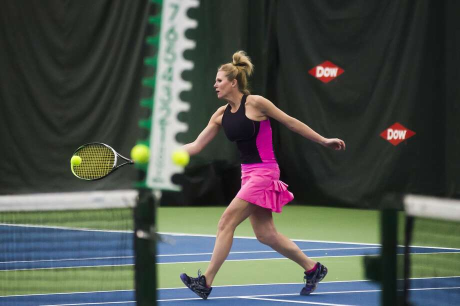 Angie Allen of Bay City returns the ball while competing in the World Team Tennis Tournament Saturday, Jan. 11, 2020 at the Greater Midland Tennis Center. (Katy Kildee/kkildee@mdn.net) Photo: (Katy Kildee/kkildee@mdn.net)