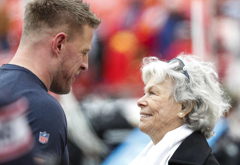Houston Texans defensive end J.J. Watt, let, talks to Texans co-founder Janice McNair before an AFC divisional playoff game at Arrowhead Stadium on Sunday, Jan. 12, 2020, in Kansas City, Mo. Photo: Brett Coomer/Staff Photographer