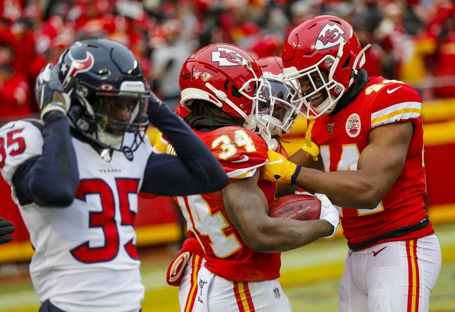 PHOTOS: More from the Texans-Chiefs playoff game Texans defensive back Keion Crossen's expression says it all as the Chiefs' Darwin Thompson (34) and Dorian O'Daniel celebrate during their team's comeback victory Sunday in the AFC divisional-round game. Photo: Brett Coomer/Staff Photographer