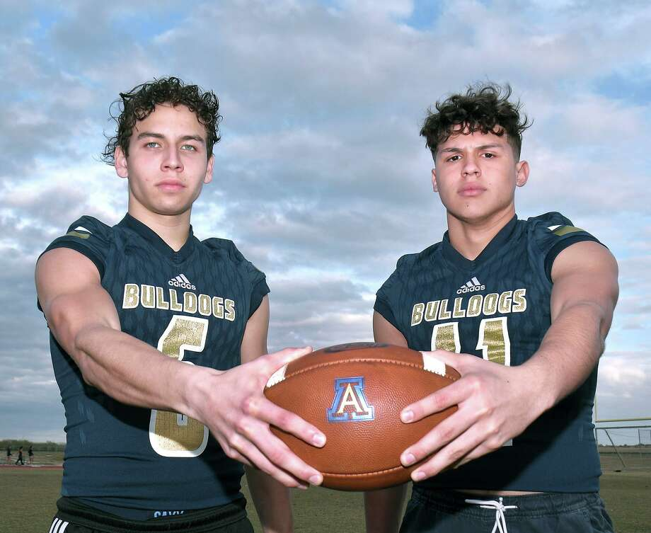Alexander football players Iker Jaimes and Josh Santos will be participating this week in the International Bowl presented by USA Football at AT&T Stadium. Photo: Cuate Santos / Laredo Morning Times / Laredo Morning Times