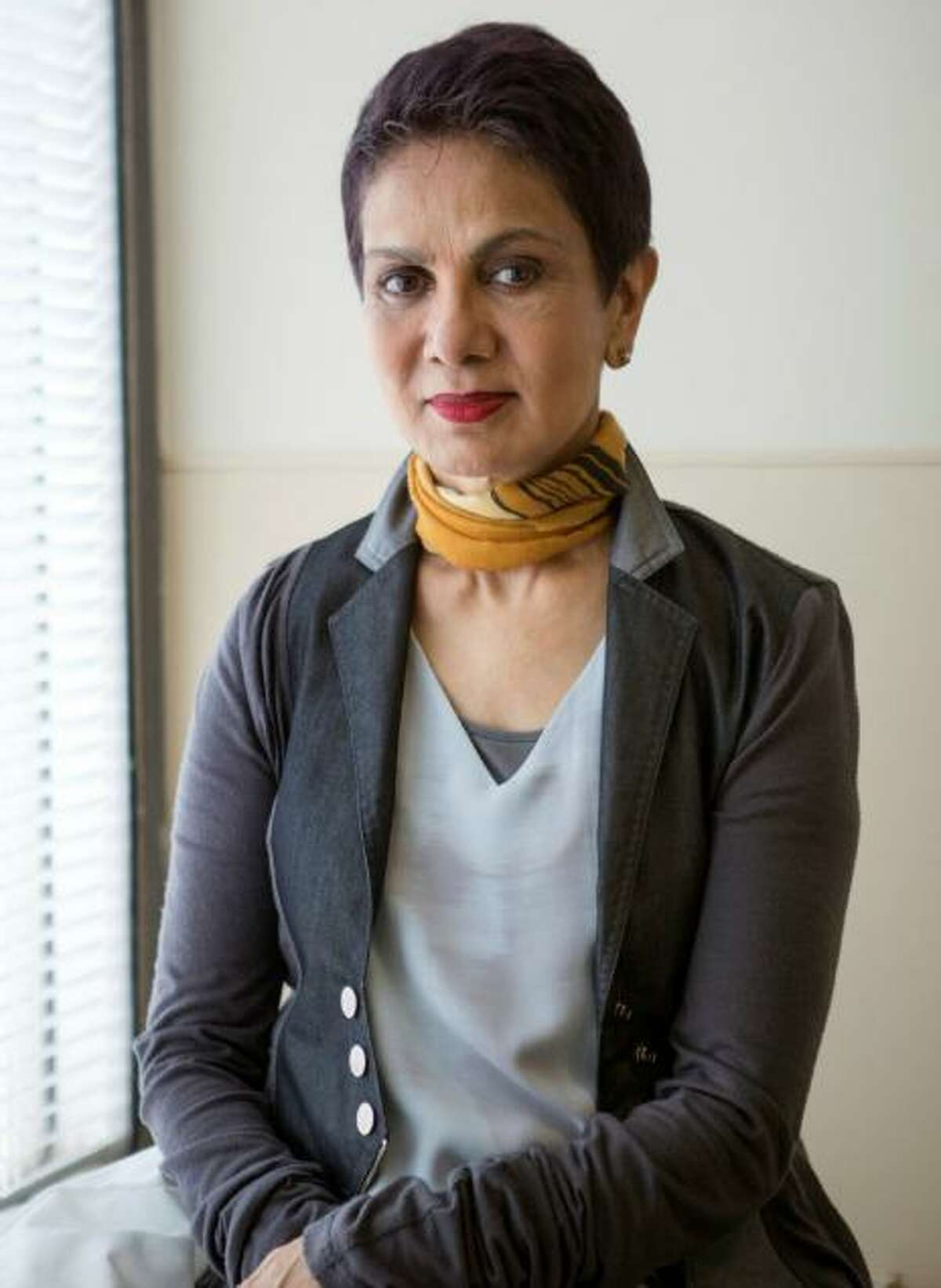 Dr. Azra Raza, a world-class oncologist, professor and author was the first speaker of the New Canaan Library's first Trustees' Lecture event on Sunday, January 26, 2020.