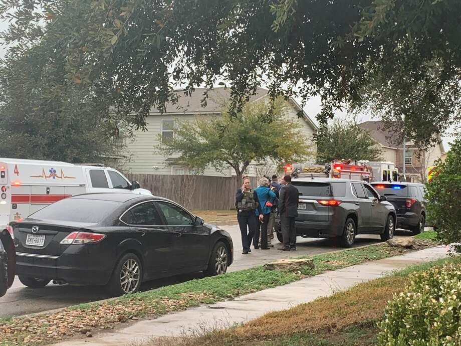 Police responded to a shooting in the 4400 block of Stetson View on the South Side. Photo: Taylor Pettaway