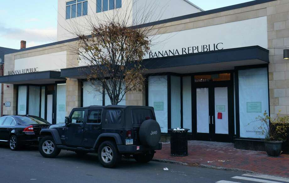 The Banana Republic store on Main Street in Westport closed in January 2020. Photo: Hearst Connecticut Media File Photo / Westport News