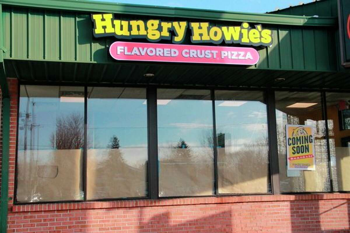 Hungry Howie's enthusiasts' wait is over. The pizza establishment will officially be opening its doors Wednesday. (Pioneer photo/Alicia Jaimes)