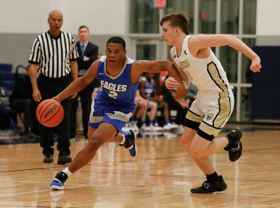 New Caney point guard Zion Childress (2) leads the Eagles in scoring at 13.3 points per game. Photo: Jason Fochtman, Houston Chronicle / Staff Photographer / Houston Chronicle