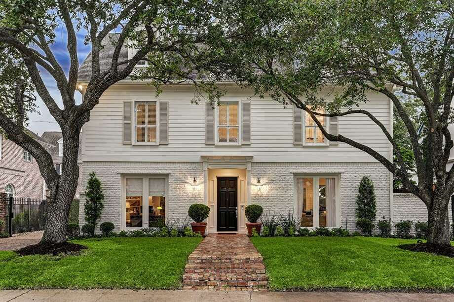 River OaksMedian home price in 2019: $2,207,5002020 salary needed: $628,488 Photo: Houston Association Of Realtors
