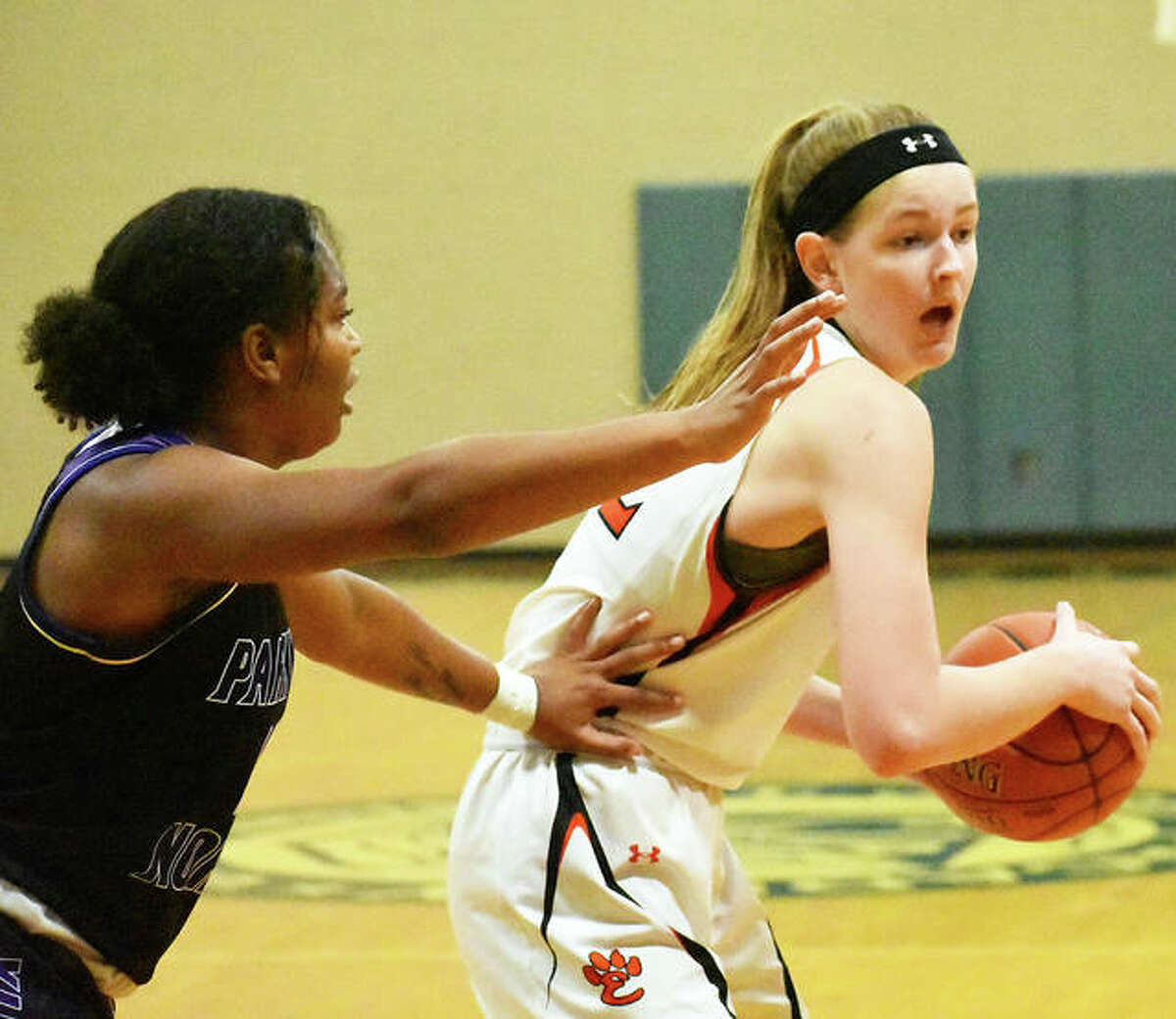 Edwardsville forward Katelynne Roberts looks for an open teammate during the second quarter against Parkway North.