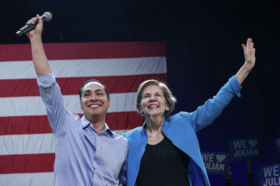 After dropping out of the presidential race earlier this month, former San Antonio Mayor Julián Castro endorses U.S. Sen. Elizabeth Warren for president. Photo: Kena Betancur /Getty Images / 2020 Getty Images