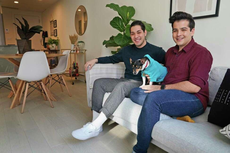 Startups building a market renting furniture monthly