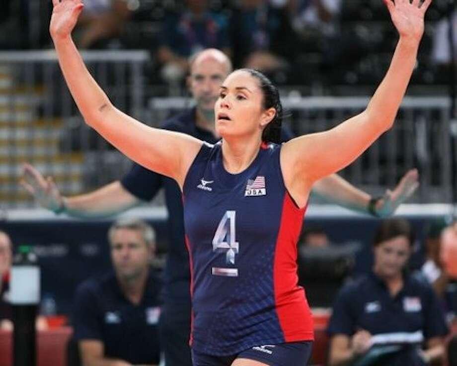 Volleyball INSIDER Lindsey Berg: 3 Weapons For Effective Blocking Photo: SportStars Magazine