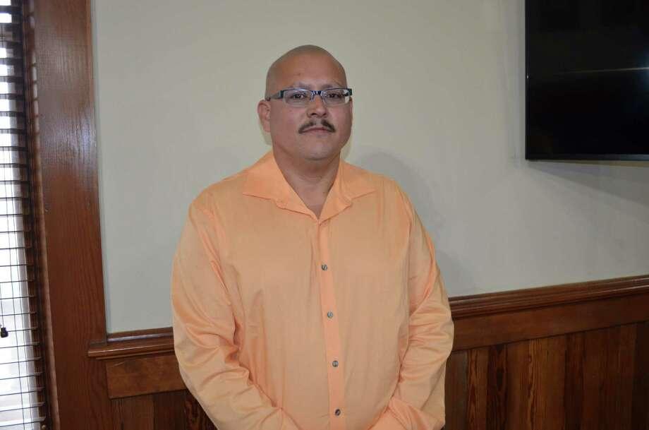 Tomás Sánchez Jr. fue nombrado como el nuevo director de servicios públicos para el Condado de Webb. Photo: Foto De Cortesía /Condado De Webb