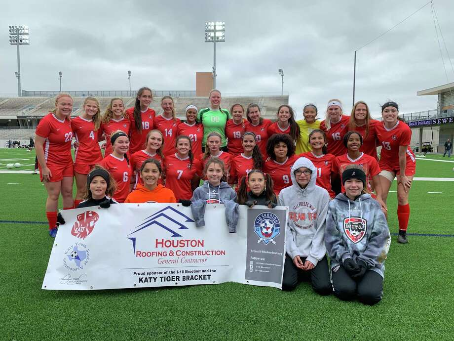 The Katy girls soccer team won the Tiger Bracket at the I-10 Shootout, Jan. 11 at Legacy Stadium. The Tigers defeated Heights 2-0 in the final. Photo: Jack Marrion / Houston Chronicle