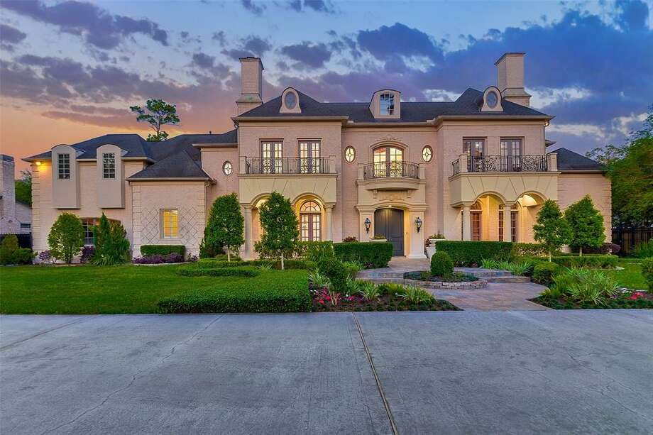 Former Houston Rockets star Steve Francis is swapping this Memorial mansion for a Sugar Land home. Photo: Beth Wolff Realtors