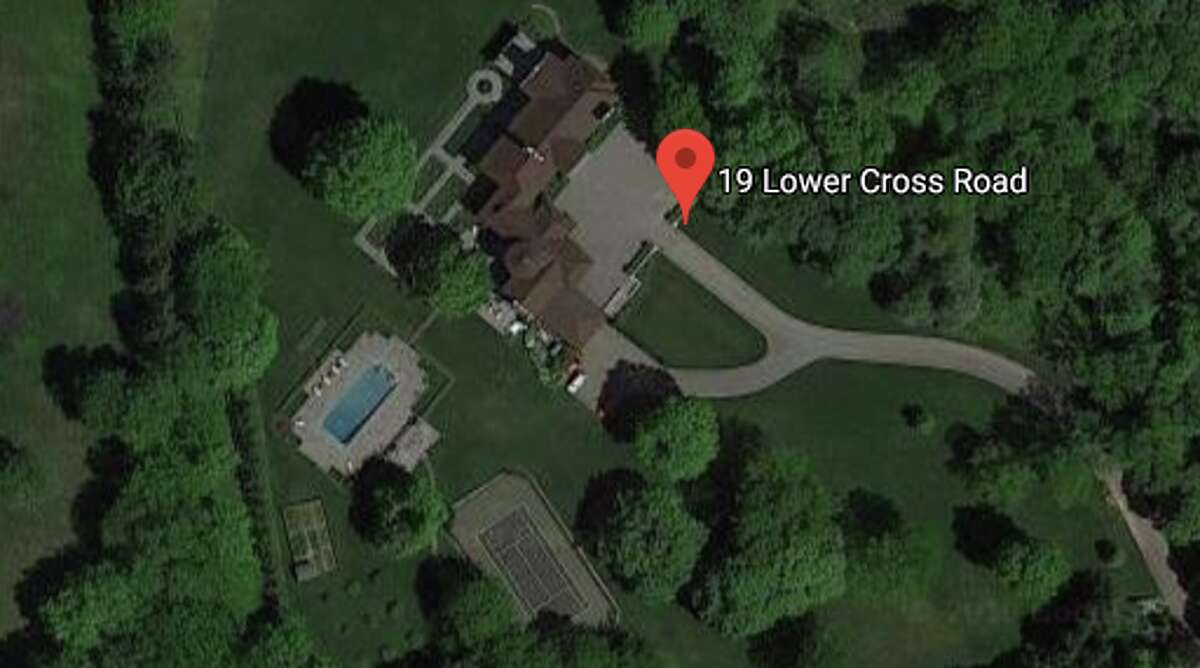 19 Lower Cross Rd. as seen from Google Maps. This is the location of Tom Brady's new home.