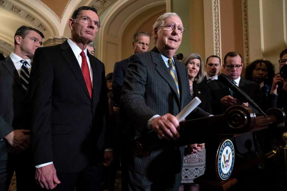 El líder de la mayoría en el Senado Mitch McConnell habla durante una conferencia de prensa en el Capitolio, Washington, el martes 14 de enero de 2020. Photo: J. Scott Applewhite /Associated Press / Copyright 2020 The Associated Press. All rights reserved